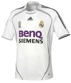 Real Madrid 2006 Local (mi camisa favorita de todas las temporadas del madrid)