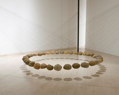 Saw another of his works in the Art Gallery in Sydney years ago: Ken UNSWORTH - Suspended stone circle Land Art, Contemporary Abstract Art, Modern Art, Abstract Landscape, Collage Kunst, Art Environnemental, Art Pierre, Instalation Art, Art Sculpture
