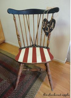 Americana red, white, and blue chair- very tastefully done! Americana Crafts, Patriotic Crafts, Patriotic Decorations, July Crafts, Americana Kitchen, Patriotic Party, Primitive Crafts, Hand Painted Chairs, Painted Furniture