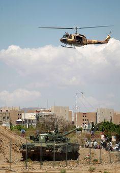 """Presidente De Yemen Es Evacuado Del Palacio A """"Un Lugar Seguro"""" Tras Ataques Aéreos"""