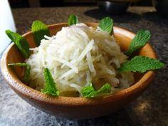Potato & mushroom side dish (Gamjachae-bokkeum) Mushroom Side Dishes, Potato Side Dishes, Side Dish Recipes, Asian Recipes, Banchan Recipe, Maangchi Recipes, Authentic Korean Food, Burmese Food, Korean Side Dishes