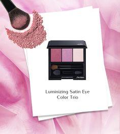 La palette Luminizing Satin Eye Color Trio racchiude ombretti satinati in polvere, facili da stendere e miscelare. Tre sfumature del rosa per creare un effetto occhi leggero e sofisticato o intensificare lo sguardo con le note più scure. #Shiseido #makeupartist www.shiseido.it