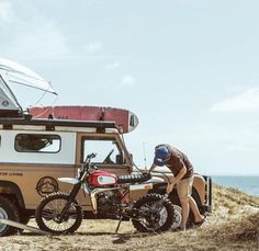 Land Rover (Series & Defenders) and more stuff I like. Running On The Beach, Motorcycle Travel, Surf Trip, Road Trip, Classic Bikes, Land Rover Defender, Camping, Scrambler, Van Life