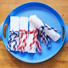 Get napkins ready for a star-spangled pinic by securing them with red, white, and blue shoelaces. More fun Indepence day ideas: http://www.bhg.com/holidays/july-4th/crafts/patriotic-picnic-serving-ideas/?socsrc=bhgpin070312#page=9