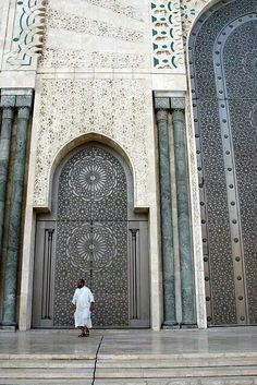 Hassan ii mosque in casablanca morocco by l ryan riley for Mosquee hassan 2 architecture
