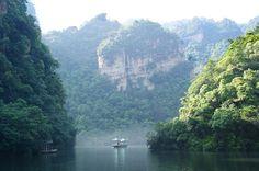Dwidaya Tour | Agent Tour and Travel, Reservation Hotel | Menjelajah ZhangJiaJie, Pegunungan Avatar di Negeri China Zhangjiajie, Avatar, China, River, Mountains, Outdoor, Outdoors, Outdoor Games, Outdoor Living