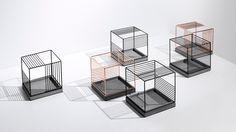 金属与水泥巧妙糅合出自由呼吸的立方体空间,光影与氧气的虚实流动,抽象出一个现代感极强的新型花器。?x-oss-process=image/format,jpg/interlace,1