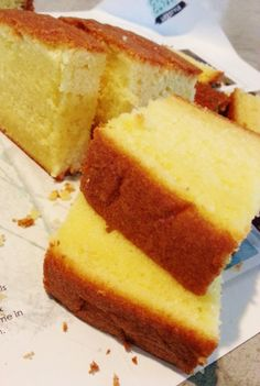 A cross between your dry, airy sponge cake and the dense, fattening butter cake, this tender-crumbed beauty is enriched with the addition of melted butter and full cream milk. Instead of deflating,… Old Fashioned Butter Cake Recipe, Moist Butter Cake Recipe, Butter Pound Cake, Butter Cakes, Sponge Cake Recipes, Pound Cake Recipes, Yellow Butter Cake, Baking Recipes, Dessert Recipes