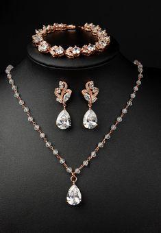 BEAUTIFUL Etsy Rose Gold Bridal earrings.  wedding  earrings  bridal  ad  Prom fe431594992a