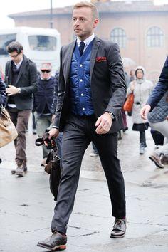 0a4f9c7ad378 Gentleman style Dapper Gentleman, Gentleman Style, Grey Hair Men, Mens  Fashion Magazine,
