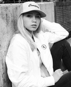 Lisa Twin