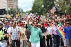 """Justin Trudeau sur Twitter : """"Je suis fier d'être le premier premier ministre à participer au défilé de la #FiertéMTL! https://t.co/TQUjRVgCGW"""""""