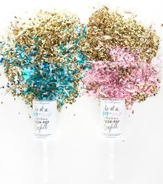 Dazzle the world in confetti and announce the gender of a new arrival with this gender reveal push-pop confetti™! Pink or blue confetti is housed in the middle of the push-pop that is covered by the g Confetti Gender Reveal, Baby Shower Gender Reveal, Baby Gender, Baby Baby, Gender Reveal Balloons, Push Pop Confetti, Confetti Poppers, Gold Confetti, Gender Reveal Announcement