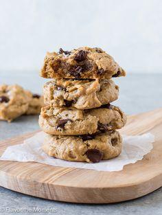 Keto Cookies, Flourless Peanut Butter Cookies, Sugar Free Cookies, Peanut Butter Oatmeal, Oatmeal Chocolate Chip Cookies, Cookies Et Biscuits, Flourless Chocolate, Chocolate Chips, Flourless Desserts