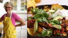 Sarah Carey shows you how to whip up an easy beef chili in advance, and you can get this giant pan of nachos on the table in just 20 minutes. It's all about layering the meat with tortilla chips, cheese, and beans. Chili Recipes, Lunch Recipes, Baby Food Recipes, Food Network Recipes, Mexican Food Recipes, Vegetarian Recipes, Delicious Recipes, Sweet Potato Stew Recipe, Chili Nachos