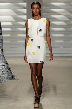 Thakoon Spring 2015 Ready-to-Wear Fashion Show: Complete Collection - Style.com #nyfw