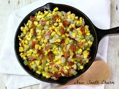 Skillet Fried Corn is easy to make and is packed with lots of great flavors like BACON! This is the perfect side for everything from chicken breasts to hamburgers. Skillet Corn, Skillet Meals, Skillet Recipes, Corn Recipes, Side Dish Recipes, Southern Fried Corn, Low Calorie Recipes, Healthy Recipes, Corn Dishes
