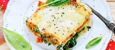 Do you want to find Weight Watchers-friendly recipes? Simple reci… Do you want to find Weight Watchers-friendly recipes? Add these 14 slow cooker dinners with low points to your menu plan. Veg Lasagne, Lasagne Recipes, Spinach Lasagna, Slow Cooker Bbq, Slow Cooker Recipes, Crockpot Recipes, Cooking Recipes, Cooking Blogs, Ww Recipes