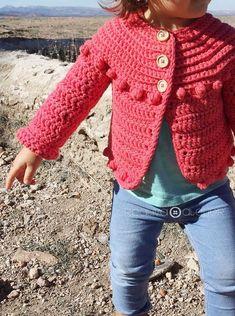 Chaqueta de Crochet Burbujitas para niña [ Tutorial y Patrón GRATIS ] Crochet Baby Sweaters, Crochet Baby Cardigan, Baby Cardigan Knitting Pattern, Crochet Baby Clothes, Gilet Crochet, Crochet Jacket, Crochet Girls, Crochet Woman, Patron Crochet