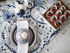 Table setting for our national day - 17. mai / Photo: Marianne de Bourg