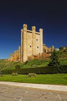 Castillo de Valencia de Don Juan, León