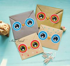Animal Gift Wrapping Tutorial - owls! With printable template for eyes.