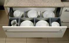 Gavetas de cozinha organizadas