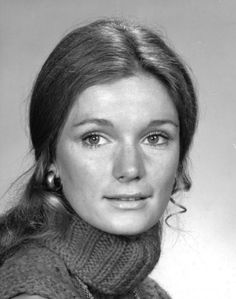 Who is Yvette Mimieux? This can be a very common question for many and that's why you should know that Yvette is a famous American film and TV actress who has taken retirement from the industry. Yvette Mimieux, Movie Of The Week, The Time Machine, Hottest Female Celebrities, Classic Actresses, Hot Actresses, Actrices Hollywood, Classic Beauty, Famous Faces