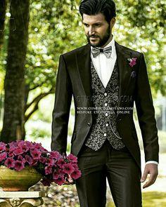 Colección #Gentleman etiqueta#mensfashion #contemporáneo online www.comercialmoyano.com MadeinItaly WWW.OTTAVIONUCCIO.COM Bespoke Excelencia