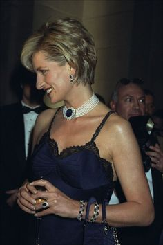 Friday Flashback: See Princess Diana at the 1996 Met Gala Princess Diana Jewelry, Princess Diana Family, Princess Of Wales, Princess Charlotte, Duke And Duchess, Duchess Of Cambridge, Lady Diana Spencer, Queen Of Hearts, Our Lady