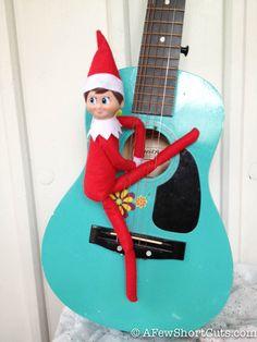 Elf on the Shelf: Pickin' & Grinnin'