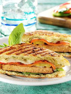 #Quorn beef-style burger panini with grilled peppers and onions! Click through for recipe