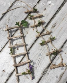 Most recent Totally Free Fairy Garden ladder Thoughts Setting up a whimsical garden for any wee folks requires imagination and … Fairy Crafts, Garden Crafts, Garden Art, Twig Crafts, Upcycled Crafts, Fairy Tree Houses, Fairy Garden Houses, Diy Fairy Garden, Diy Fairy House