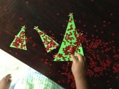 Sparkly Christmas Trees from Poohsden #toddler #craft