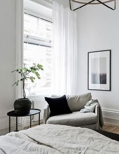 Simple and classy home - via Coco Lapine Design