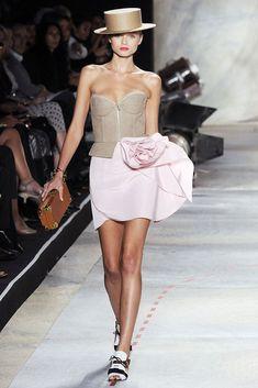 Isaac Mizrahi Spring 2010 Ready-to-Wear Collection Photos - Vogue
