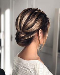 """Шиян Марина⭐️'s Instagram profile post: """"Прическа, полюбившаяся многим из вас, путешествующая по пабликам миллионникам. Думаю, основным фактором такой любви является то, из каких…"""" Anastasia, Hair, Touch, Fashion, Moda, Fashion Styles, Fashion Illustrations, Strengthen Hair"""