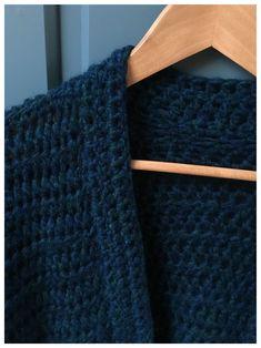 Easy Crochet Butterfly Kostenloses Muster-Video, background based on Irish knitting. Crochet Cardigan, Crochet Shawl, Winter Vest, Drops Design, Diy Crochet, Crochet Clothes, Knitting Patterns, Weaving, Diy And Crafts