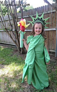 DIY Statue of Liberty Costume by Milk & Cuddles.  featured on LivingLocurto.com #halloween