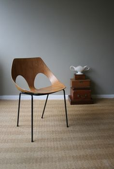 Model c3 'Jason' chair. Jacobs and Guille for Kandya Ltd, 1953