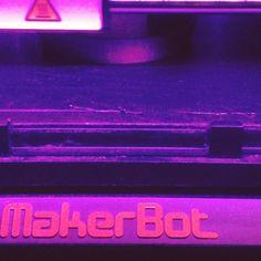 """#badmarvel #back #jusquicitoutvabien #cabonfilament #carbon #bracelet #jewelry #wip #workinprogress #replicator2 #makerbot #passezlescommandes #robot #3dprinting"" by @badmarvel - http://www.b3dgeable.com/2015/10/06/badmarvel-back-jusquicitoutvabien-cabonfilament-carbon-bracelet-jewelry-wip-workinprogress-replicator2-makerbot-passezlescommandes-robot-3dprinting-by-badmarvel-5/ #3dprinting #3dprinter #b3dgeable #design #3dprinted #prototype"