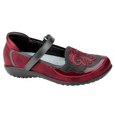 The Motu is a comfortable maryjane shoe with a unique leather designed upper. This style has a padded heel cup for stability & comfort and a hook & loop closure at the instep for adjustability. The fr