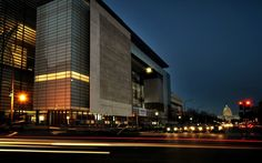Newseum lays off 26 employees, about 10 percent of staff, as financial struggles continue