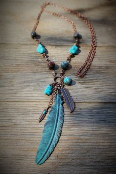 Diy Jewelry Necklace, Feather Necklaces, Copper Necklace, Boho Jewelry, Beaded Jewelry, Jewelry Accessories, Fine Jewelry, Jewelry Design, Jewelry Making