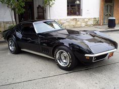 Chevy Corvette Stingray 73'. Could it possibly get any sexier? No.
