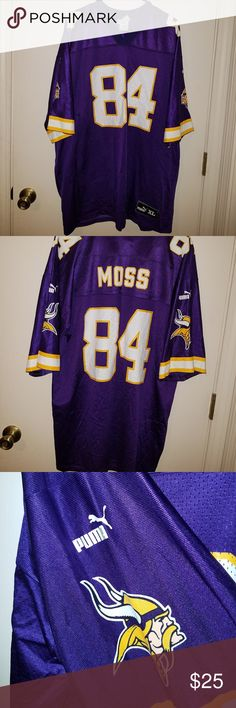 Vikings Randy Moss Jersey Vikings Officially Licensed Randy Moss Jersey  Size XL In excellent condition! c3cd5d436