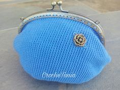Monedero grande azul con flor (cierre bronce)