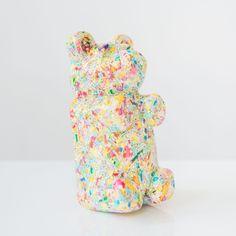 Pop Art gummi bear sculpture made out of resin and pastel colored sprinkles. Great kids room shelf decor, pop art sculpture, candy inspired art. Baby Boy Nursery Decor, Nursery Design, Baby Boy Nurseries, Kids Room Shelves, Pastel Home Decor, Pastel Candy, Candy Sprinkles, Pastel House, Cute Bears