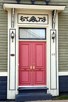 Lunenburg House Door Love this. Door Entryway, Entrance Doors, Doorway, Front Doors, Cool Doors, Unique Doors, Casa Loft, Door Gate, House Doors