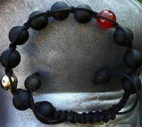 Makramé armbånd, med Karneol og Glat Doublé Kugle
